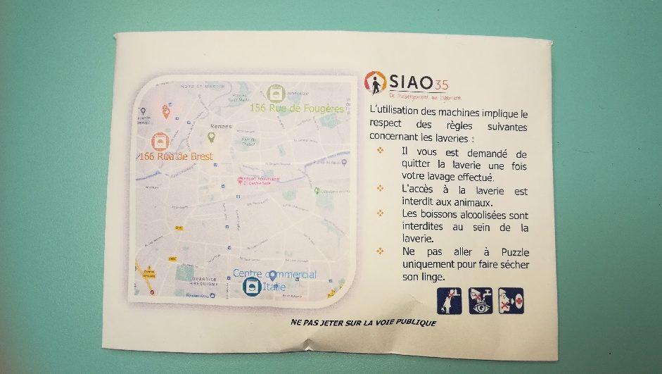 Enveloppe sur laquelle apparait un plan de Rennes et des explications sur les règles à respecter pour l'utilisation des laveries
